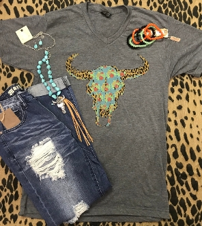 LEOPARD AND FLOWER COWSKULL VNECK TSHIRT 8PK $60