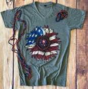 STAR SPANGLED SUNFLOWER VNECK TSHIRT SIZE SMALL $7.50