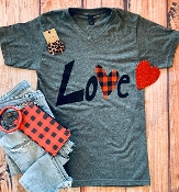 LOVE PLAID HEART CHARCOAL VNECK TSHIRTS SIZE SMALL