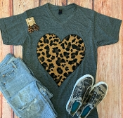LEOPARD HEART CHARCOAL VNECK SIZE SMALL $7.50