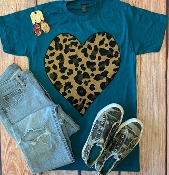 LEOPARD HEART TEAL CREW NECK SIZE SMALL